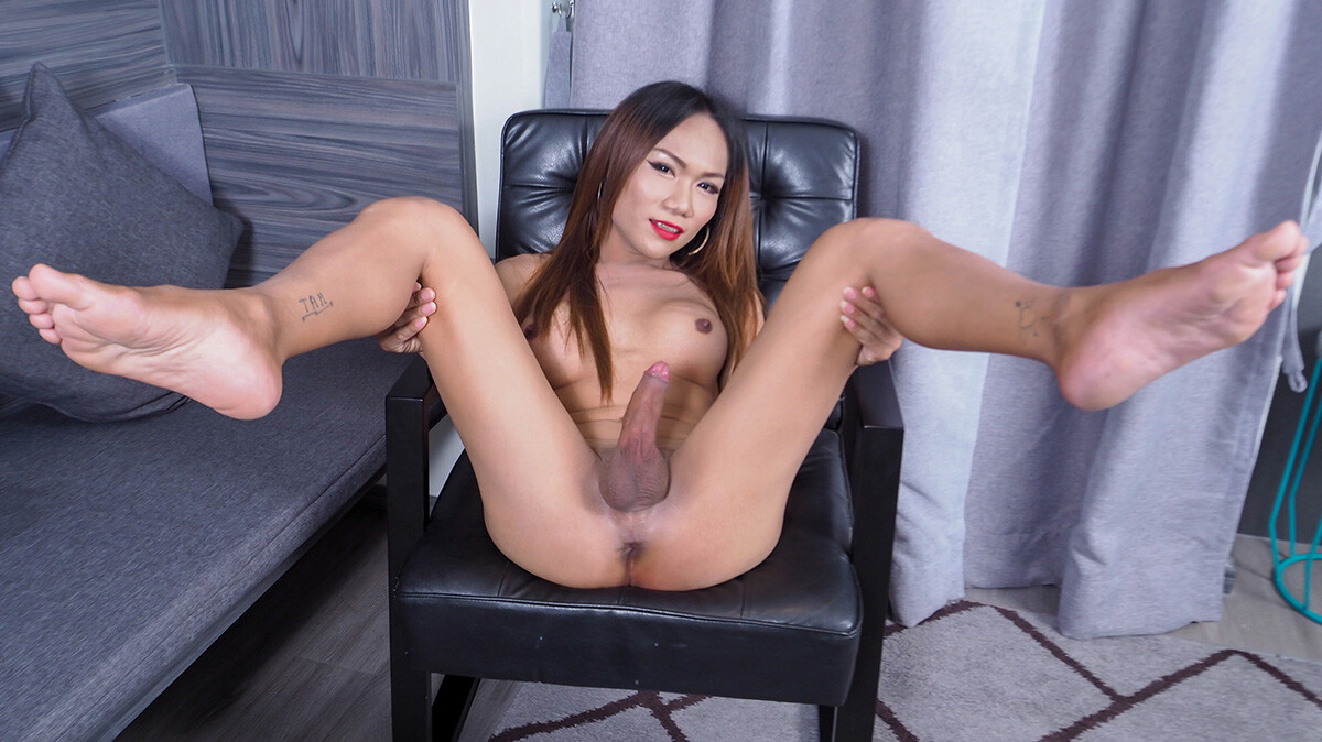 Zaza Rubs Her Cock To Climax!